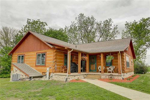Photo of N4237 County Road G, Fort Atkinson, WI 53538 (MLS # 1884699)