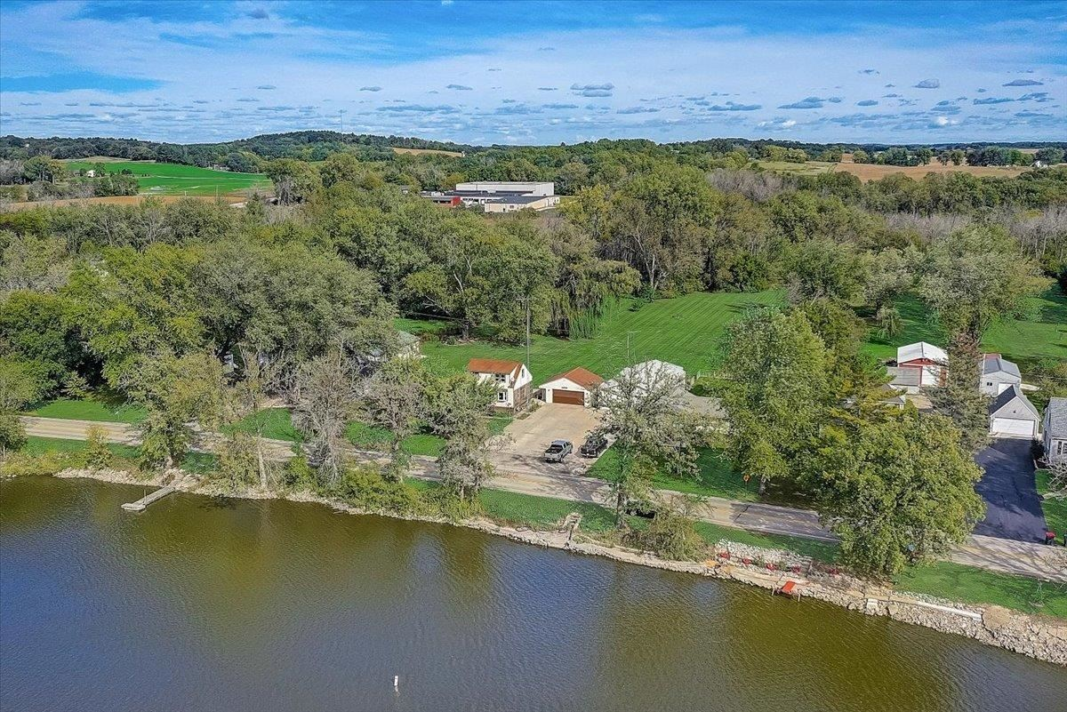 N2486 Rock River Rd, Fort Atkinson, WI 53538-9615 - #: 1920709