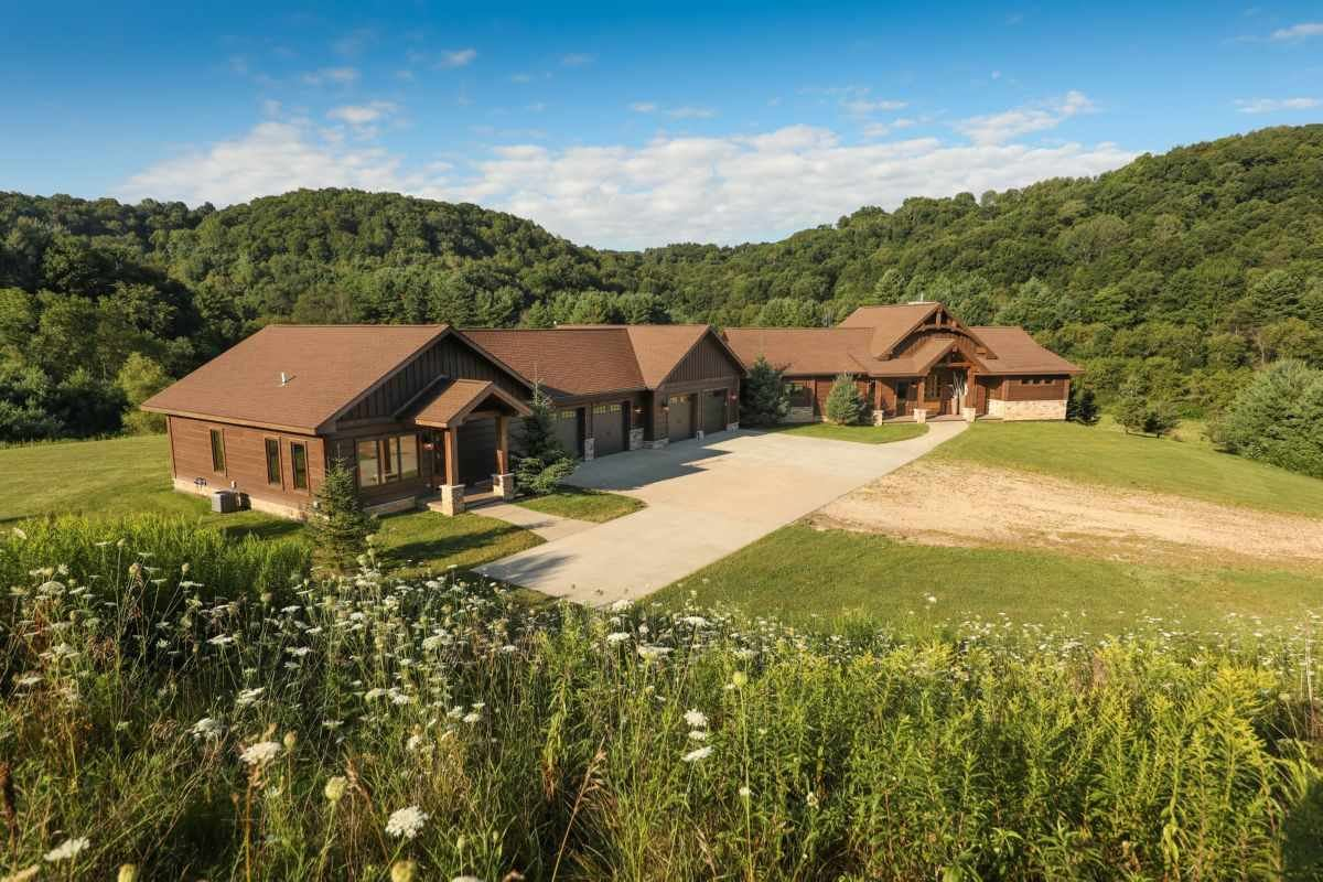 Photo for 16381 Camp Mary Ln, Richland Center, WI 53581 (MLS # 1890711)