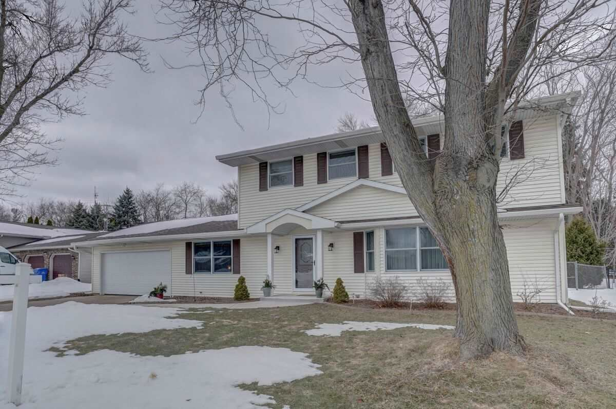 5646 Pennwall St, Fitchburg, WI 53711 - #: 1877717