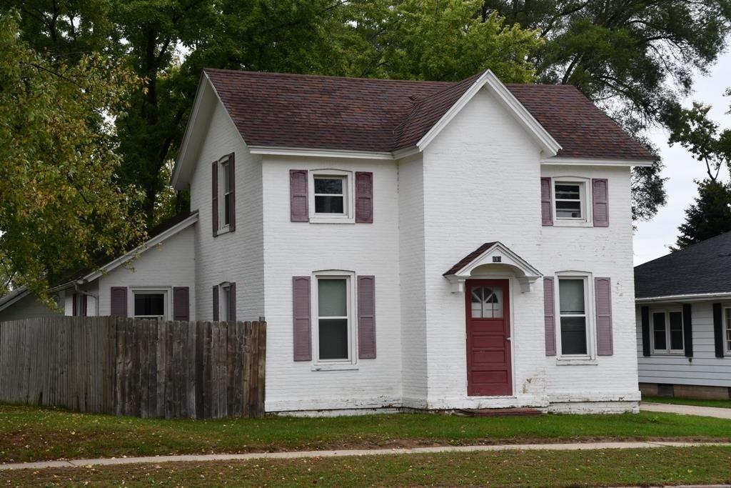 819 W Wisconsin St, Portage, WI 53901 - #: 1921720