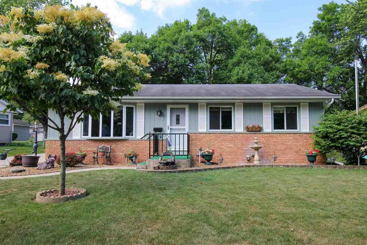 1110 Woodvale Dr, Madison, WI 53716 - #: 1911721