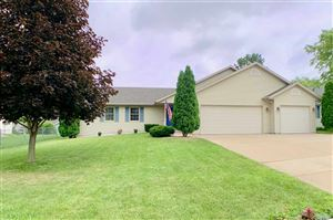 Photo of 716 W Burbank Ave, Janesville, WI 53546 (MLS # 1863727)