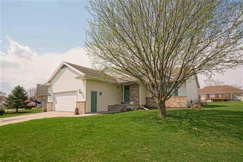 Photo of 1019 Starlight Ln, Cottage Grove, WI 53527 (MLS # 1904727)