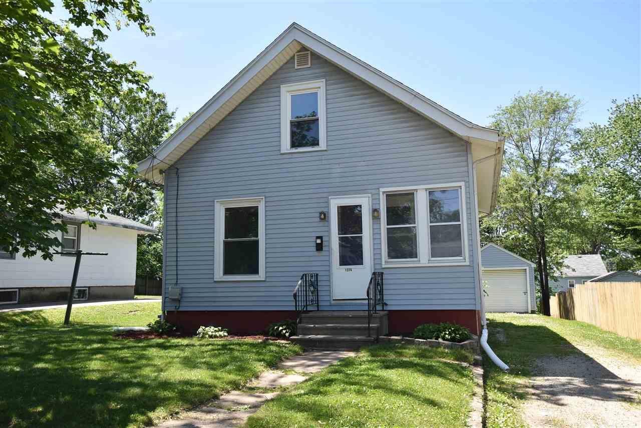 1226 Garfield Ave, Beloit, WI 53511 - #: 1885729