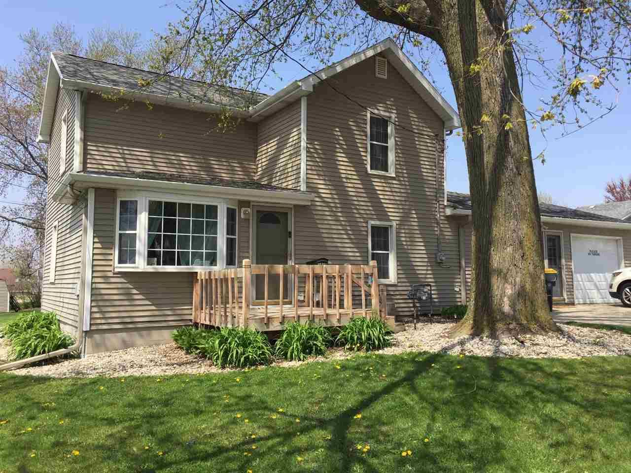 1049 7th Ave, Monroe, WI 53566 - #: 1907729