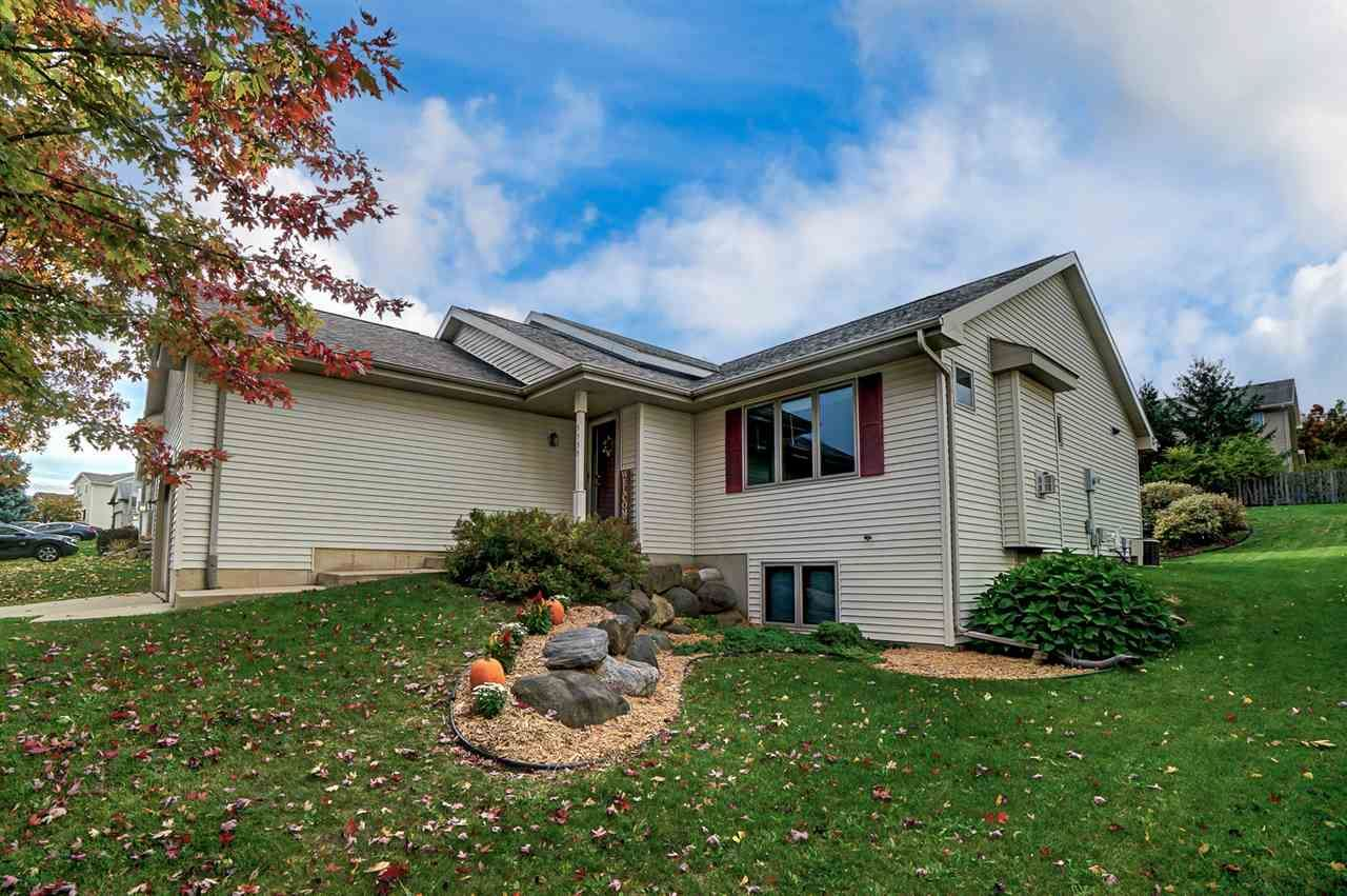 5535 Sparkle Stone Cres, Fitchburg, WI 53711 - #: 1898736