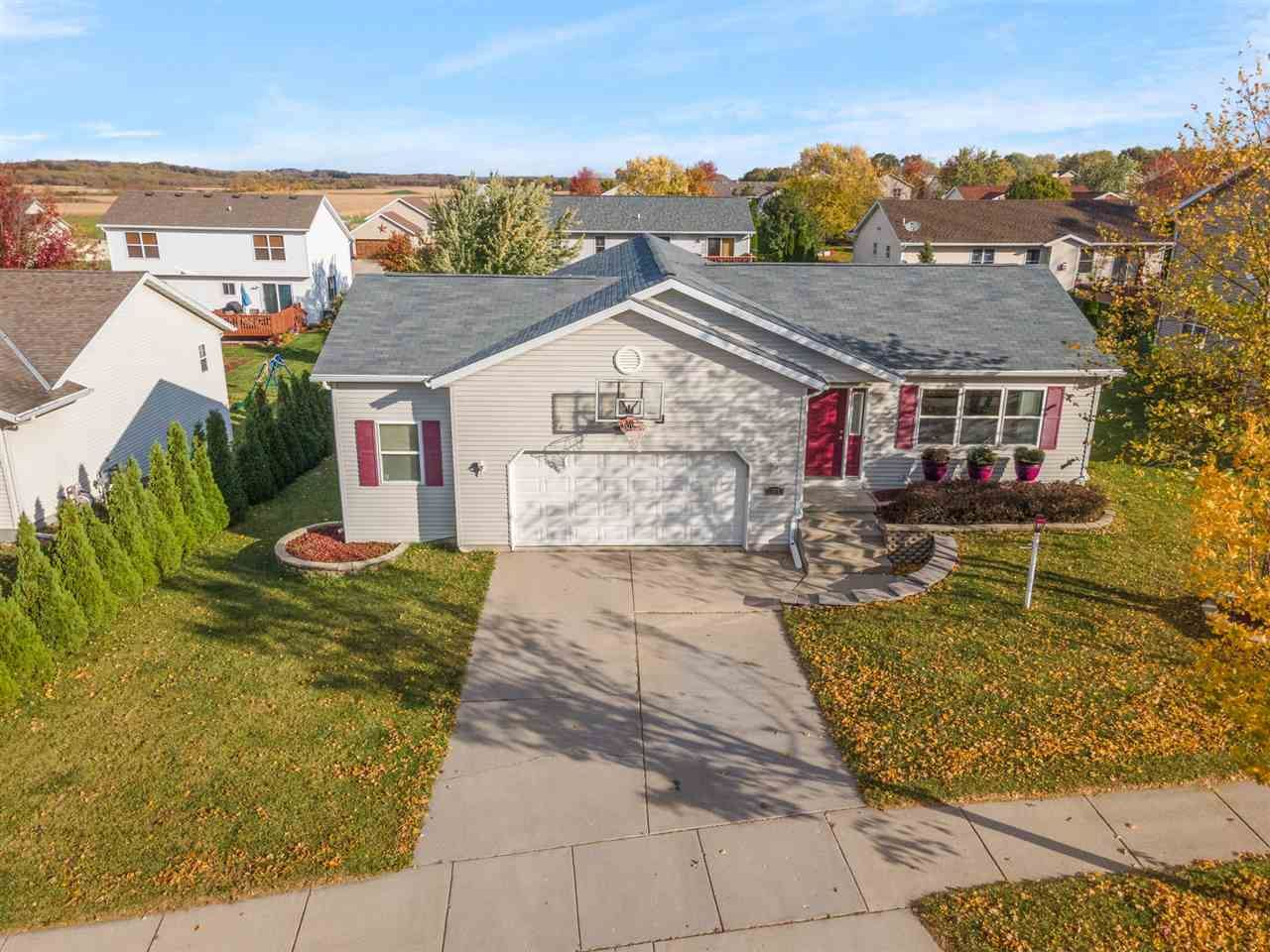 1264 W Bloomingfield Dr, Whitewater, WI 53190 - #: 1895738