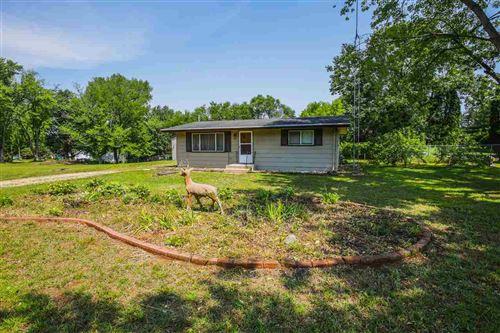 Photo of N6188 Duck Creek Rd, Pardeeville, WI 53954 (MLS # 1915739)