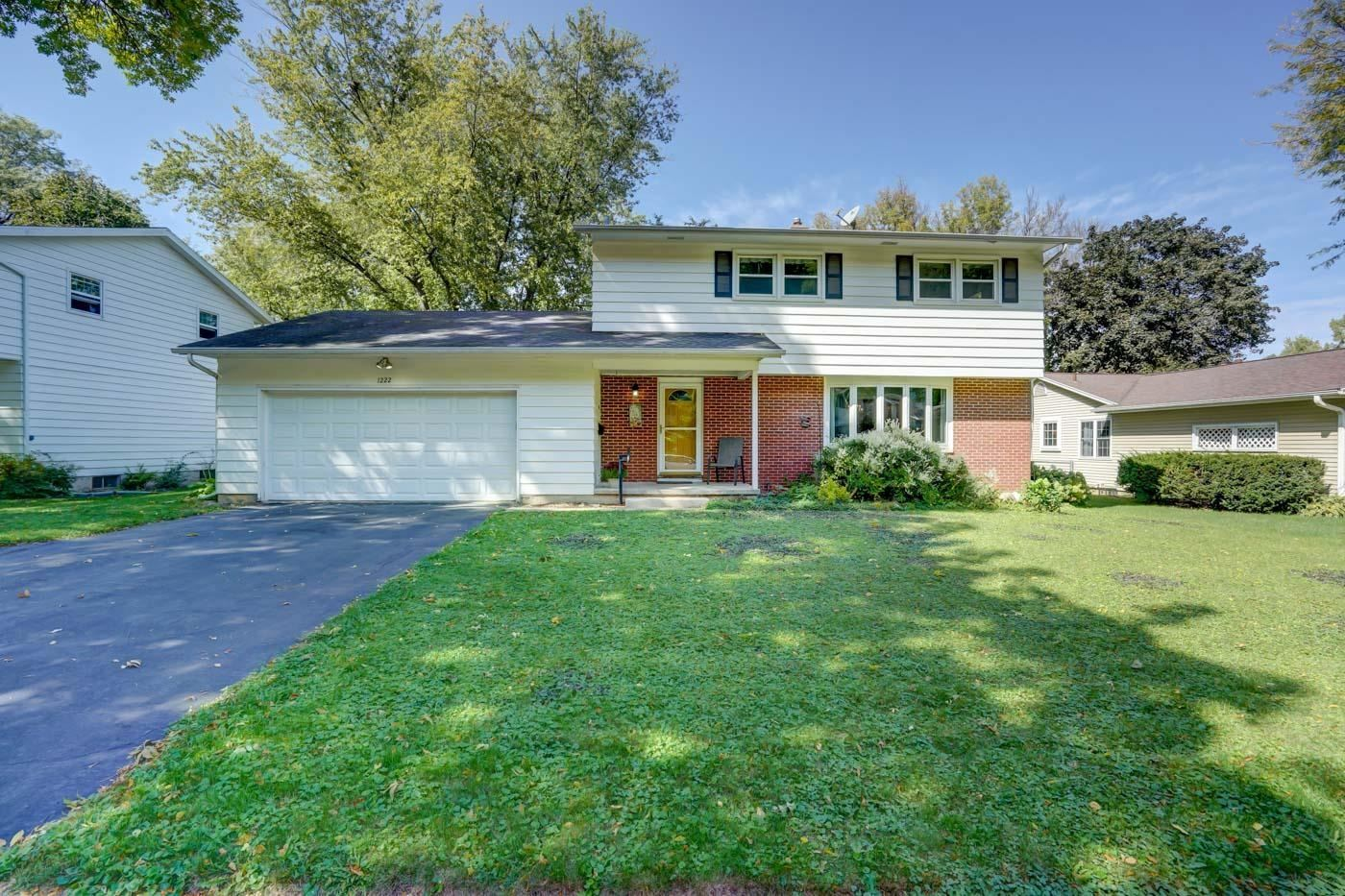 Photo for 1222 Meadowlark Dr, Madison, WI 53716 (MLS # 1920739)