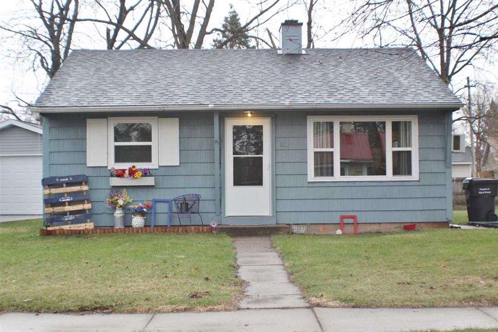 827 Maple Grove St, Tomah, WI 54660 - #: 1854741