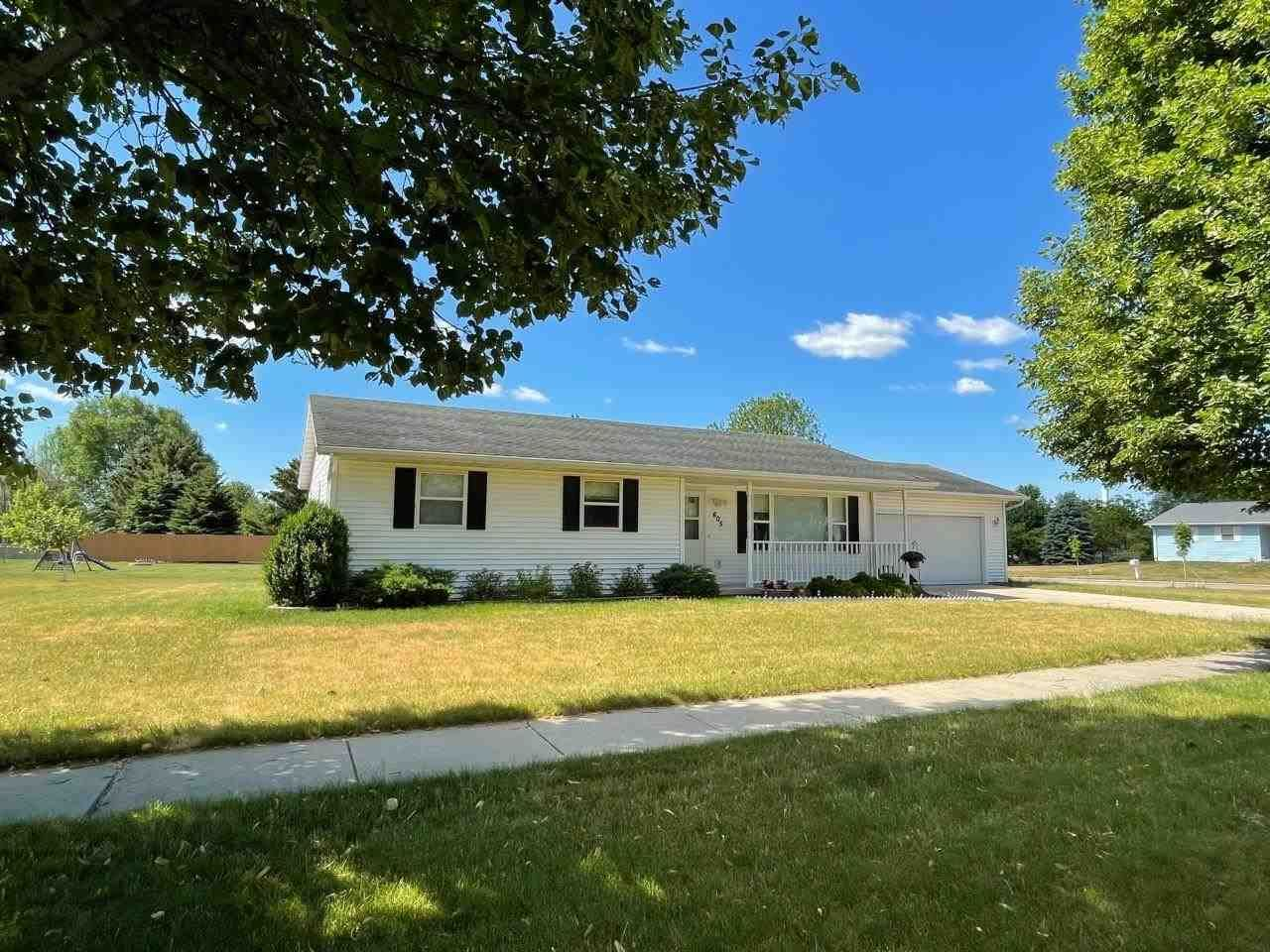 605 E Countryside Dr, Evansville, WI 53536 - #: 1912741