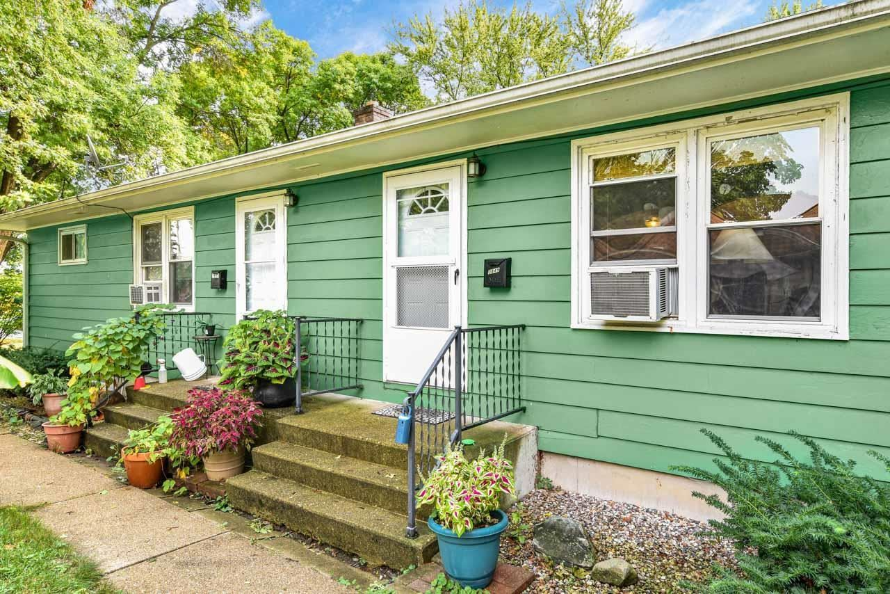 Photo for 3849-51 Clover Ln, Madison, WI 53714 (MLS # 1919741)