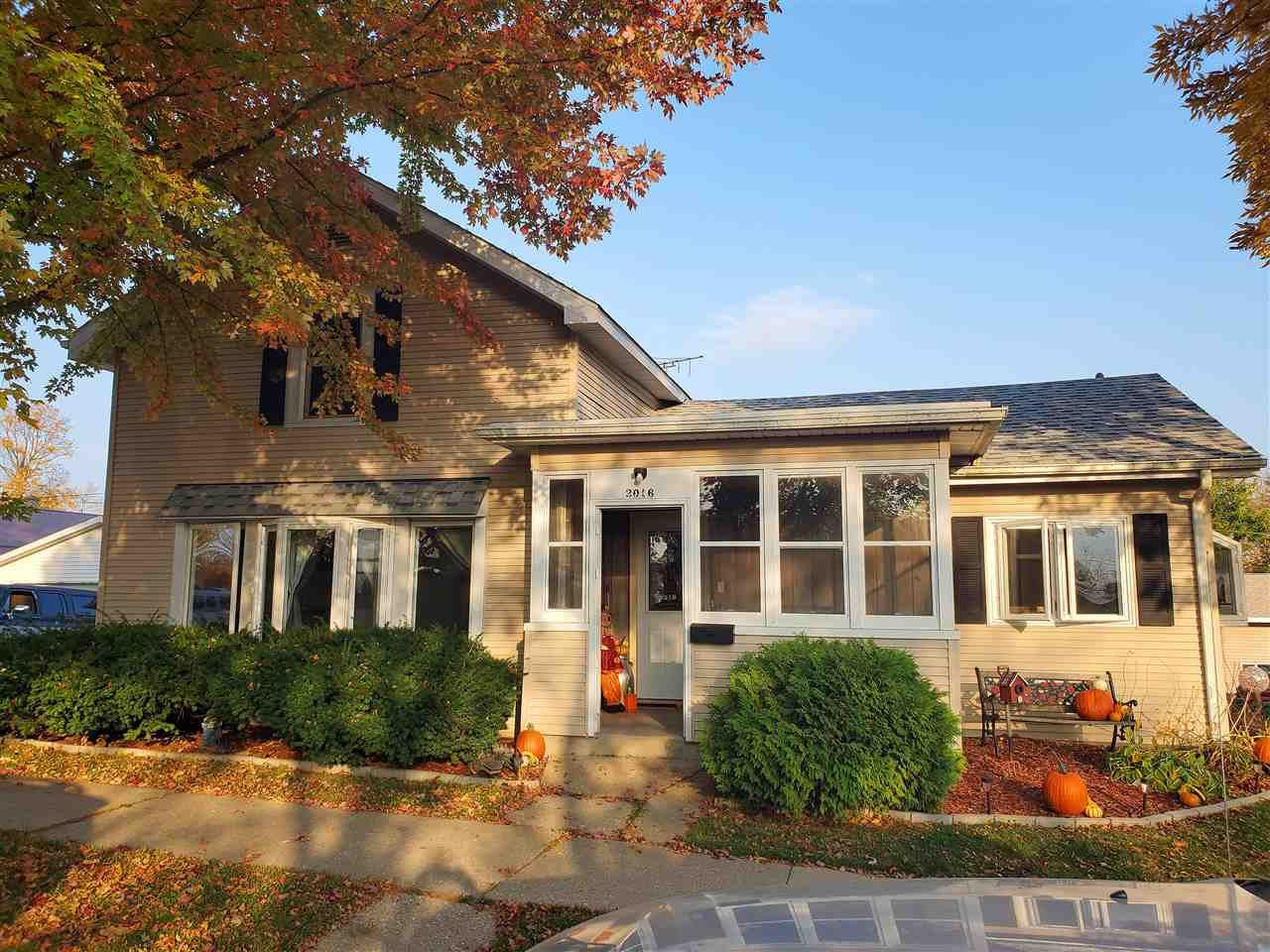 2016 15th Ave, Monroe, WI 53566 - #: 1895742