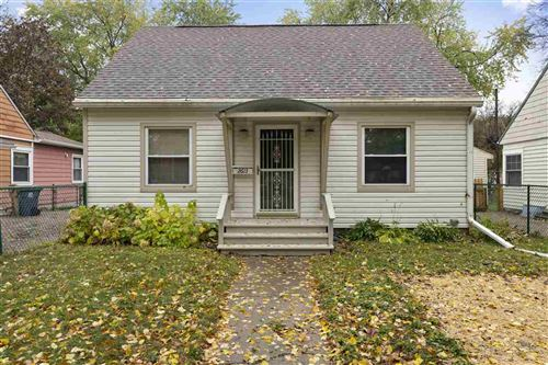 Photo of 2613 Myrtle St, Madison, WI 53704 (MLS # 1896744)