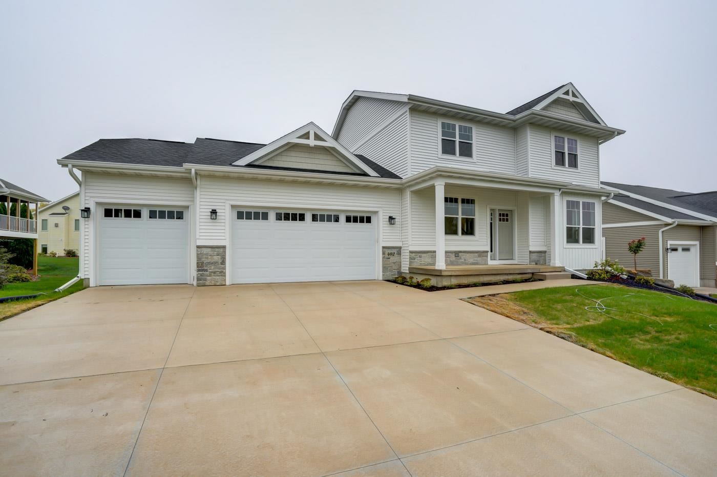 Photo for 402 Molly Ln, Cottage Grove, WI 53527 (MLS # 1919744)