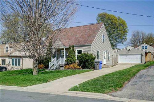 Photo of 4806 Schofield St, Monona, WI 53716 (MLS # 1907746)