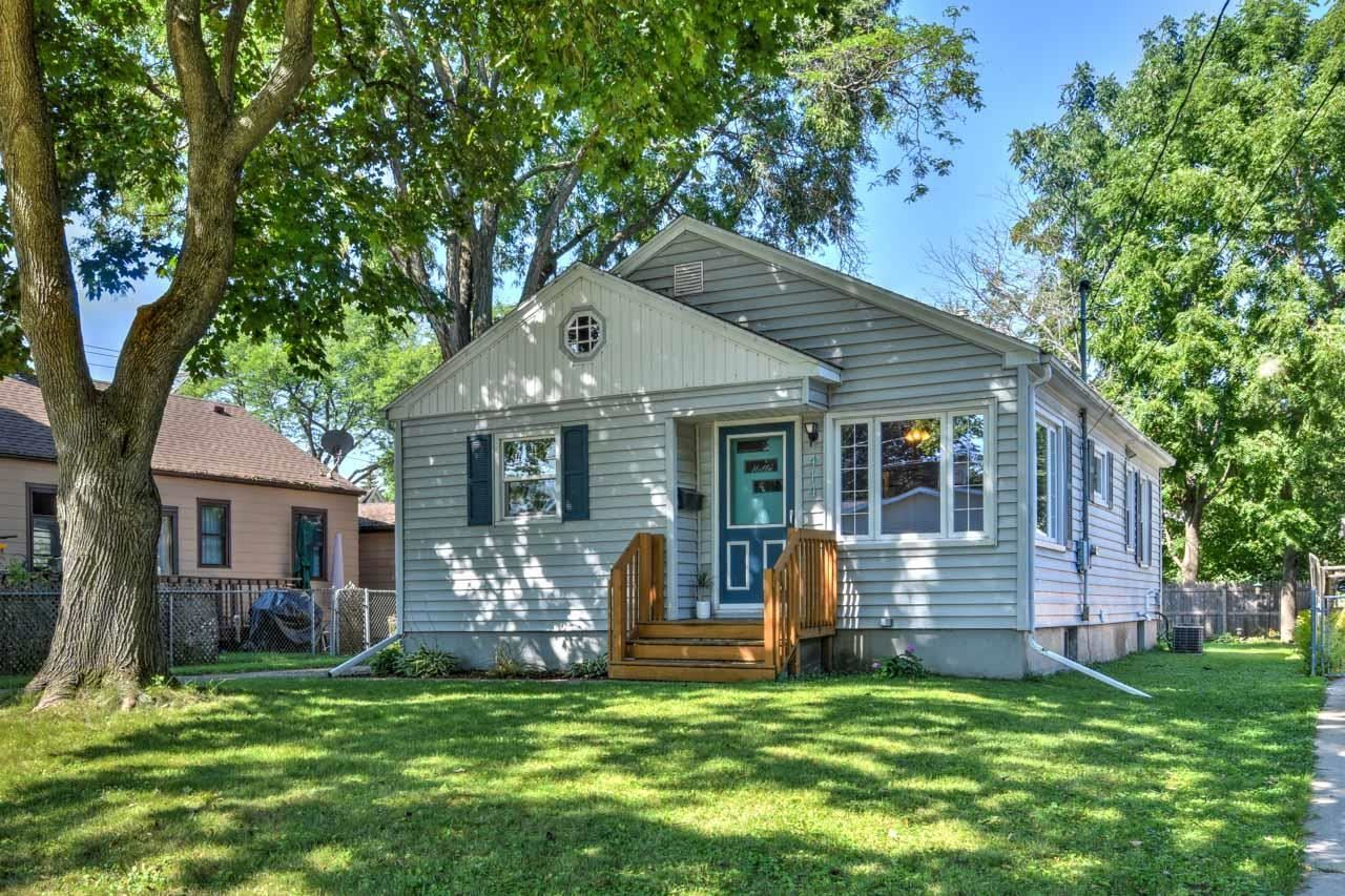 Photo for 414 Gunderson St, Madison, WI 53714 (MLS # 1917746)
