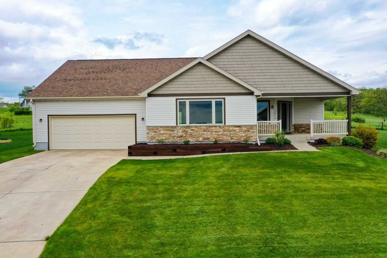 10814 Blue Mountain Ave, Blue Mounds, WI 53517 - #: 1909752