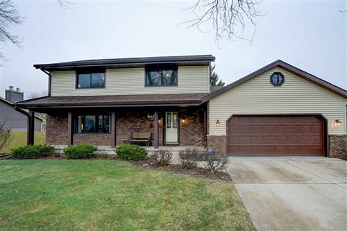 Photo of 7522 E Hampstead Ct, Middleton, WI 53562 (MLS # 1879765)