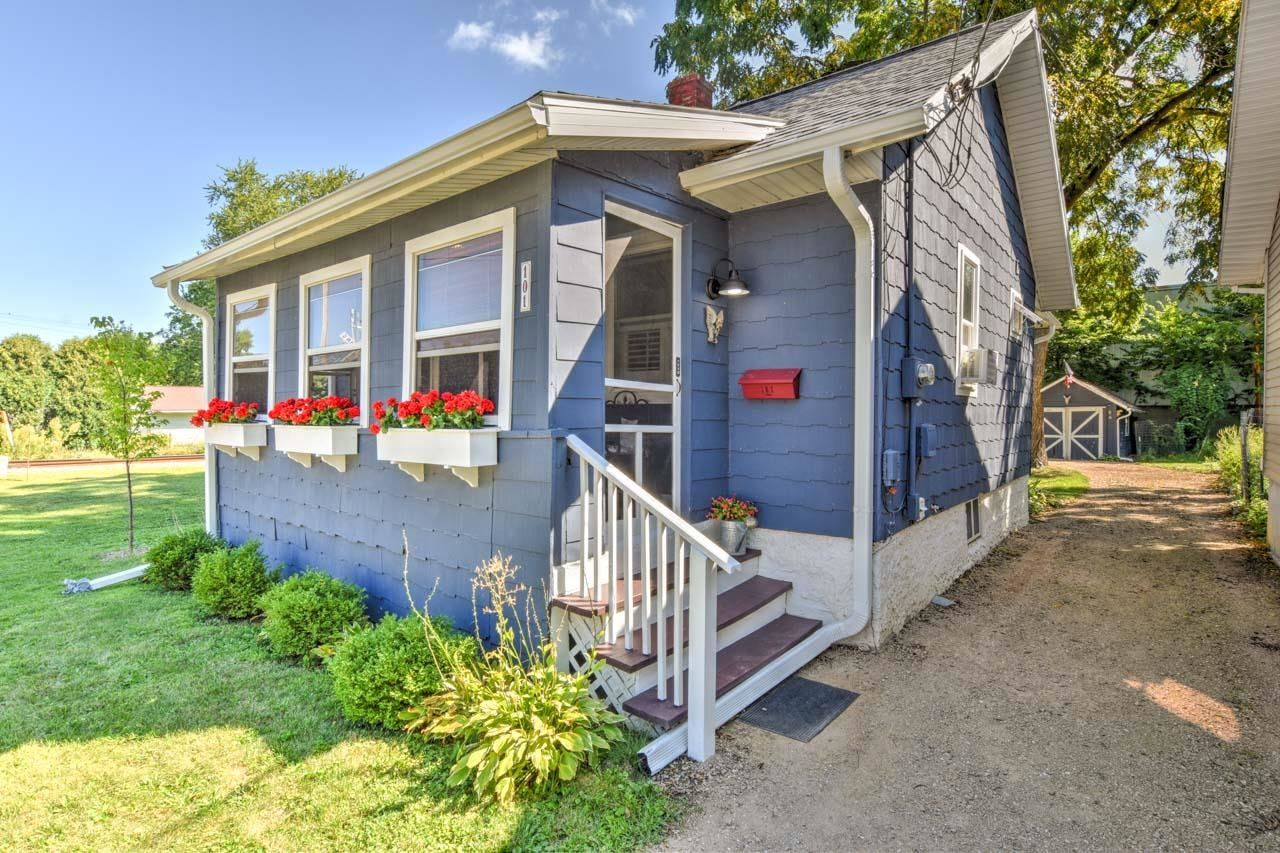 Photo for 101 Corry St, Madison, WI 53704 (MLS # 1918766)
