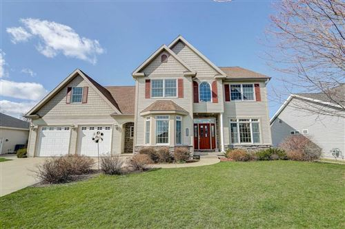 Photo of 5662 Old Oak Dr, Fitchburg, WI 53711 (MLS # 1881767)