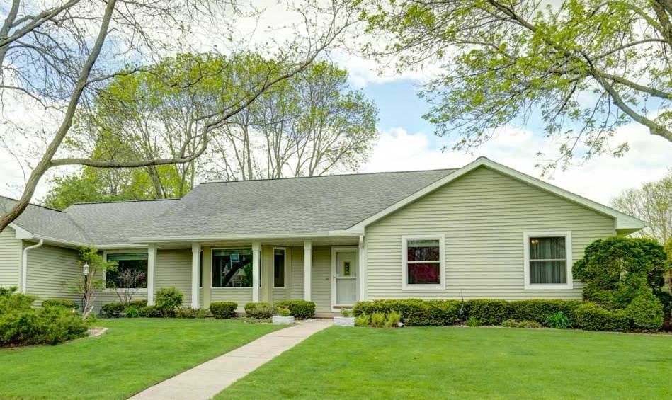 2 W Geneva Cir, Madison, WI 53717 - #: 1906767