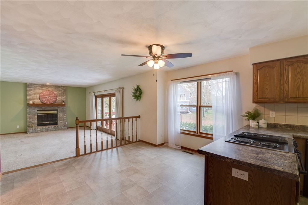 323 Bonnie Rd, Cottage Grove, WI 53527 - MLS#: 1869769