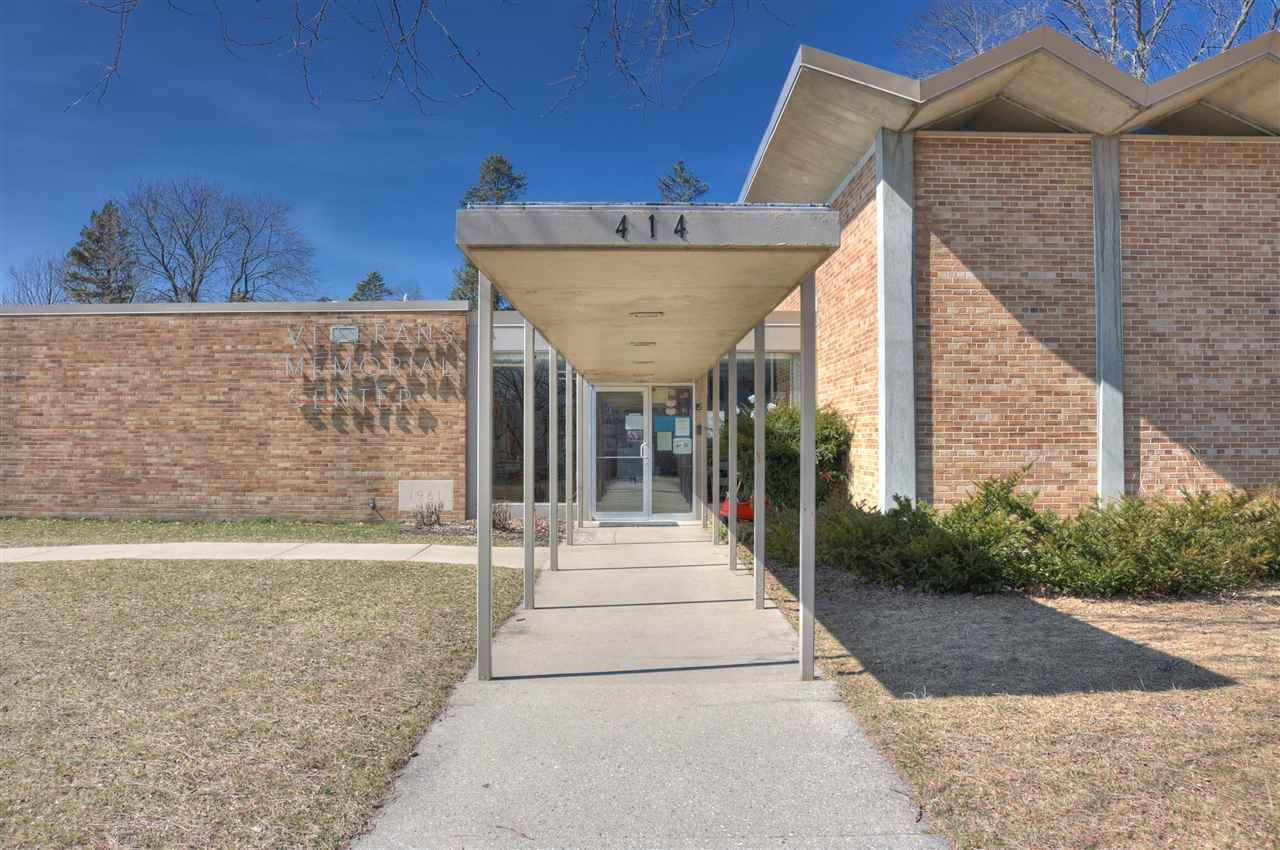 f_1879771_02 Commercial Properties for in Sale Edgerton, WI