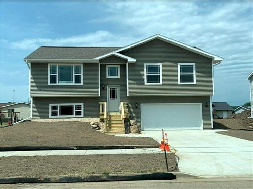 Photo of 440 White Spruce Ave, Baraboo, WI 53913 (MLS # 1904781)