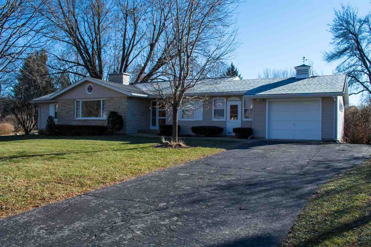 620 Grove St, Mauston, WI 53948 - #: 1898784