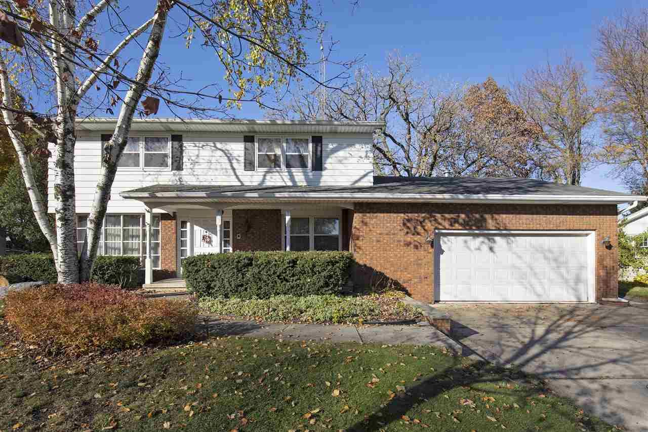 1211 Hickory Dr, Jefferson, WI 53549-1907 - #: 1896785