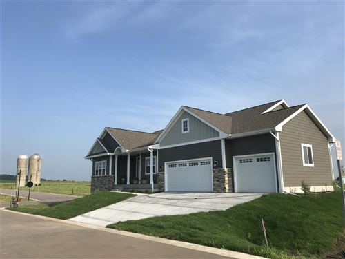 Photo of 5830 Eagle Prairie Ct, Waunakee, WI 53597 (MLS # 1844786)