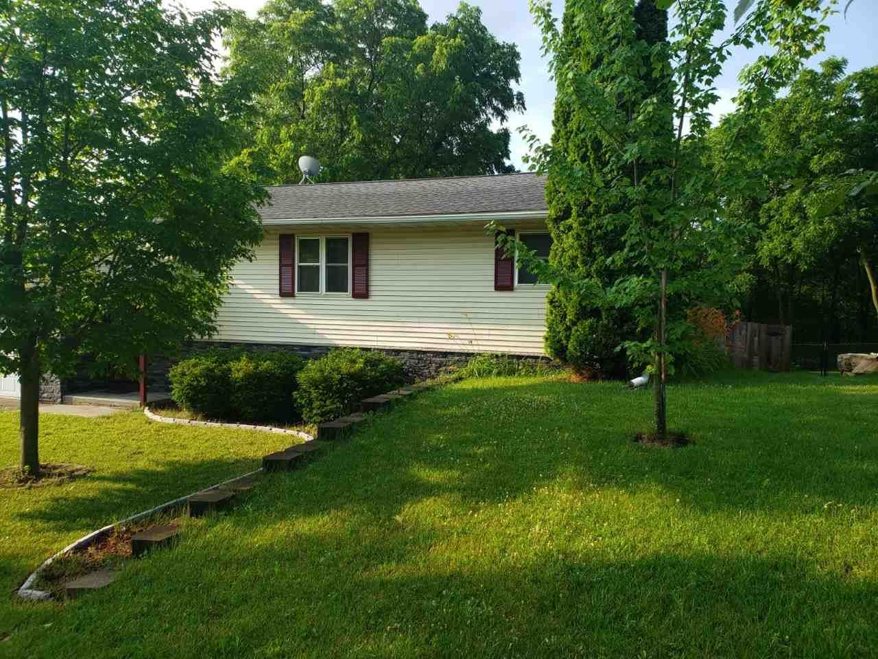 328 Mulberry St, Baraboo, WI 53913 - #: 1887786