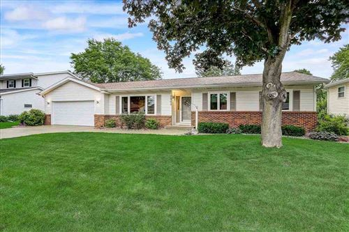 Photo of 1006 S Holiday Dr, Waunakee, WI 53597 (MLS # 1914787)