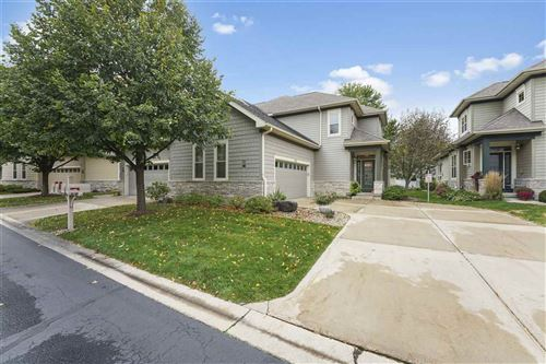 Photo for 1622 Pond View Ct, Middleton, WI 53562 (MLS # 1894789)
