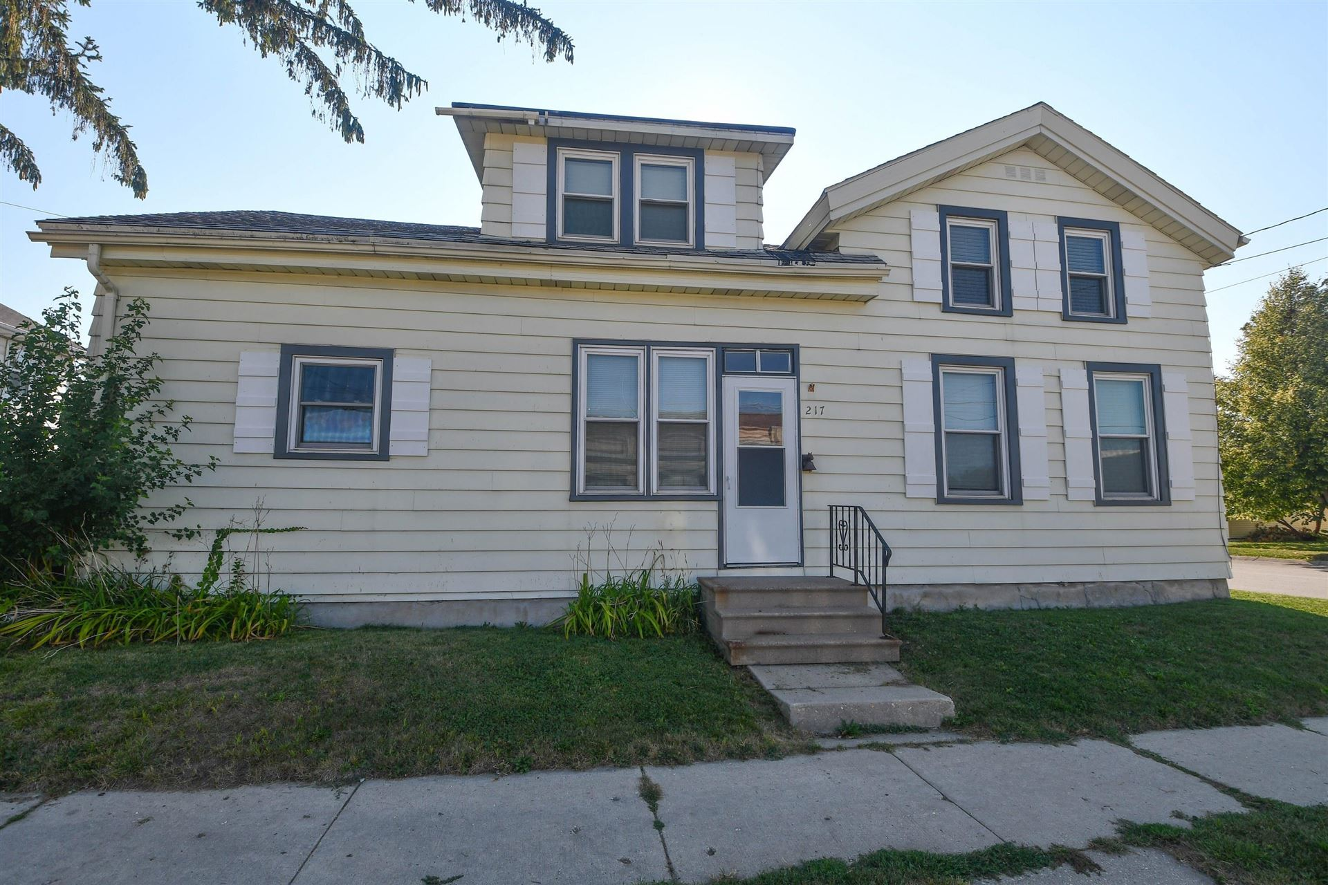 217 S 1st St, Watertown, WI 53094 - #: 1921798