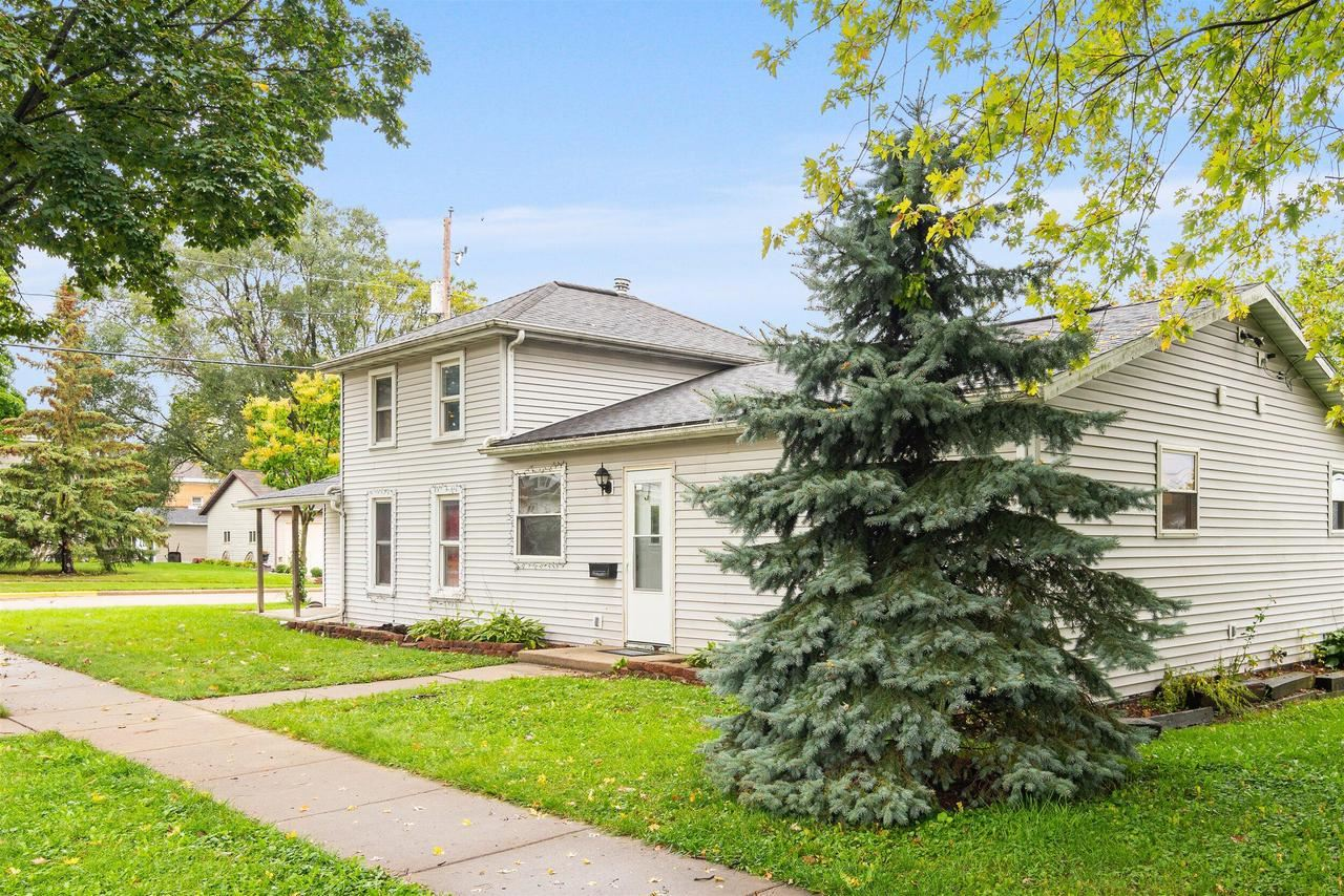 303 N Finch St, Horicon, WI 53032 - #: 377800