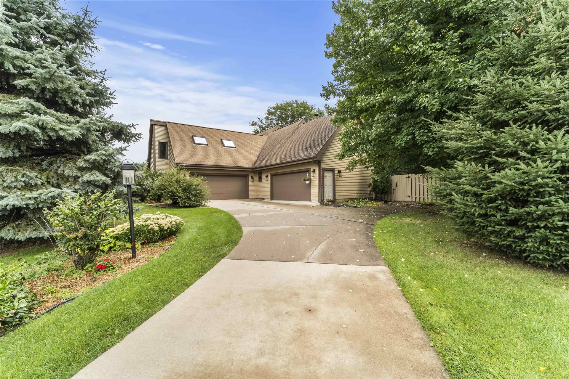 5855 Tree Line Dr, Fitchburg, WI 53711 - #: 1919801