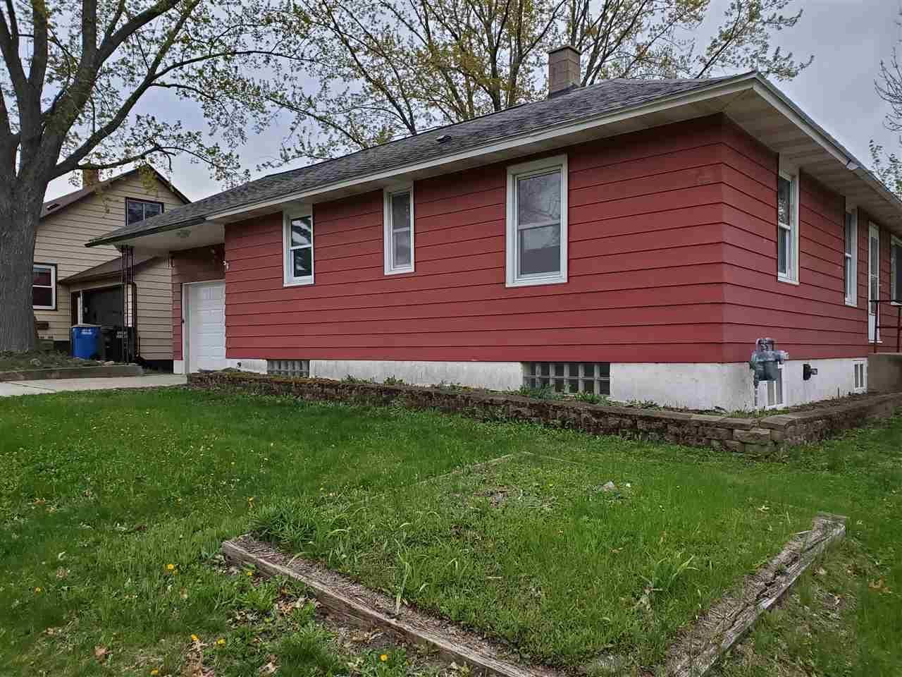 1134 W Pleasant St, Portage, WI 53901 - #: 1872803