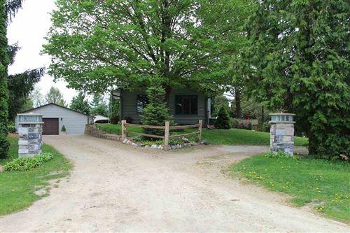 Photo of 4377 PHEASANT HILL RD, Deerfield, WI 53531 (MLS # 1883804)