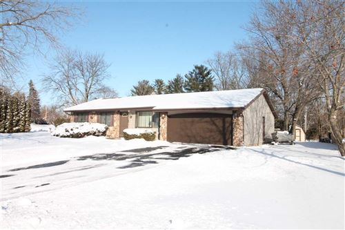 Photo of 1036 Somerset Dr, Janesville, WI 53546 (MLS # 1876805)