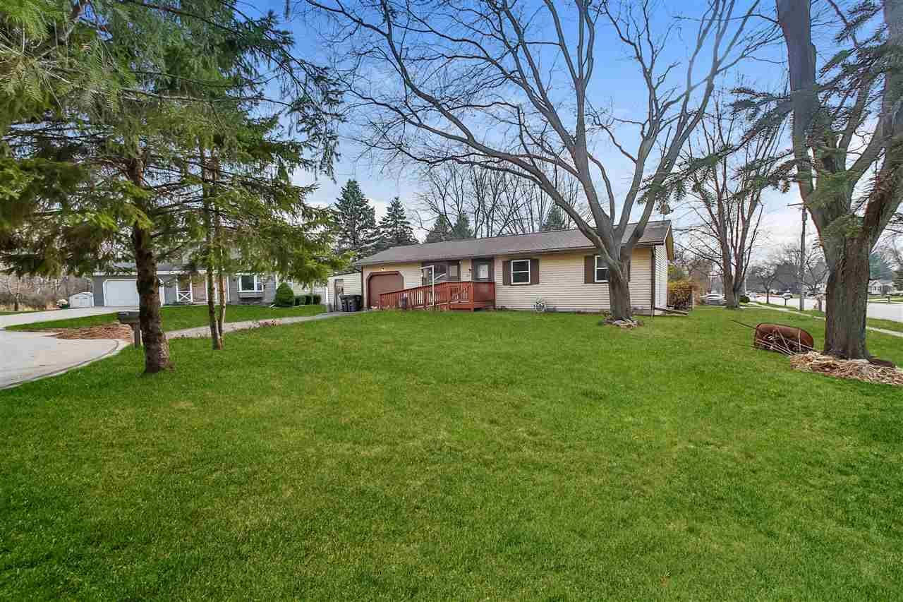 317 Johnson Ct, Stoughton, WI 53589 - #: 1887808