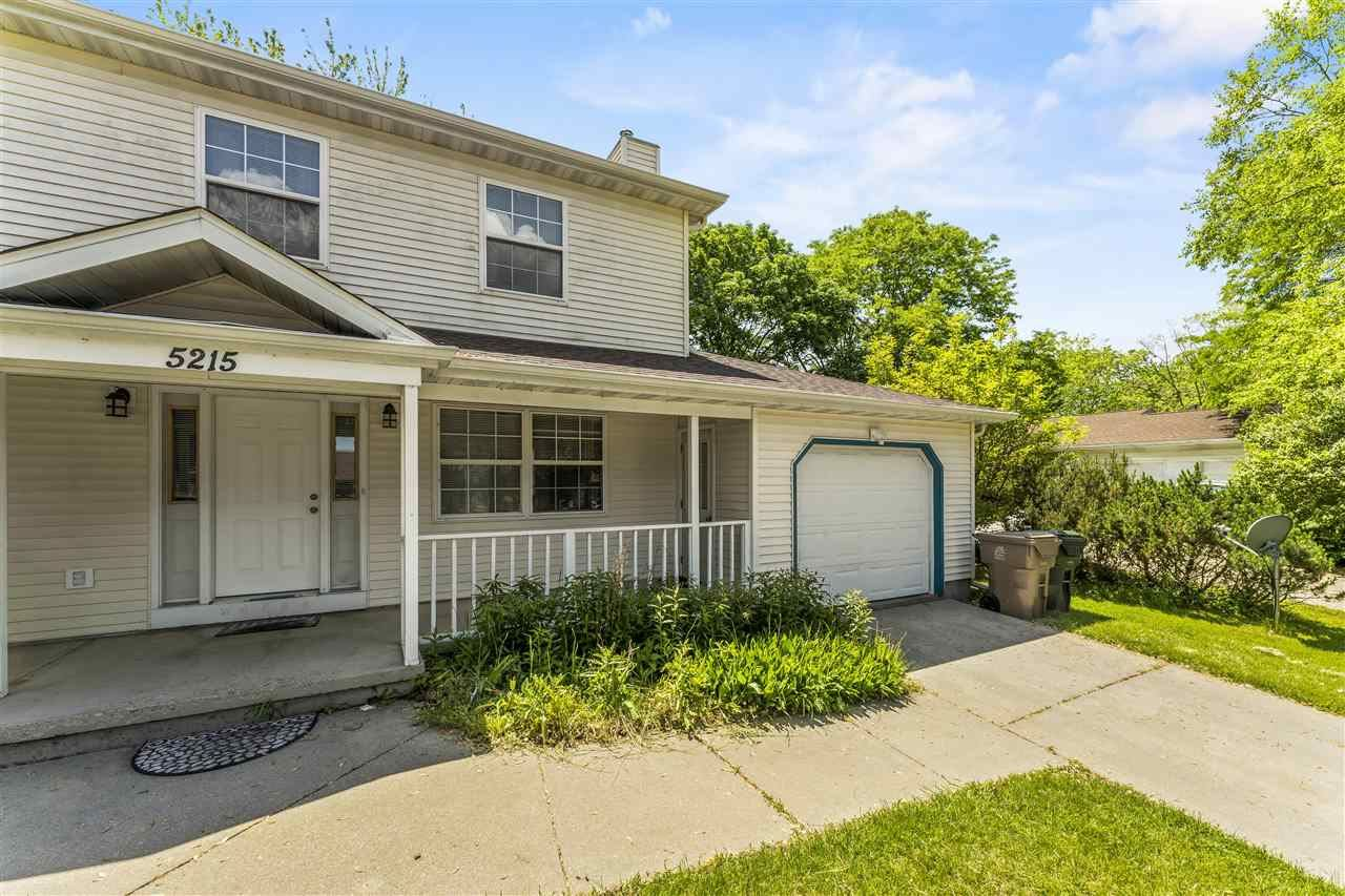 Photo for 5215 Manitowoc Pky, Madison, WI 53705 (MLS # 1910808)