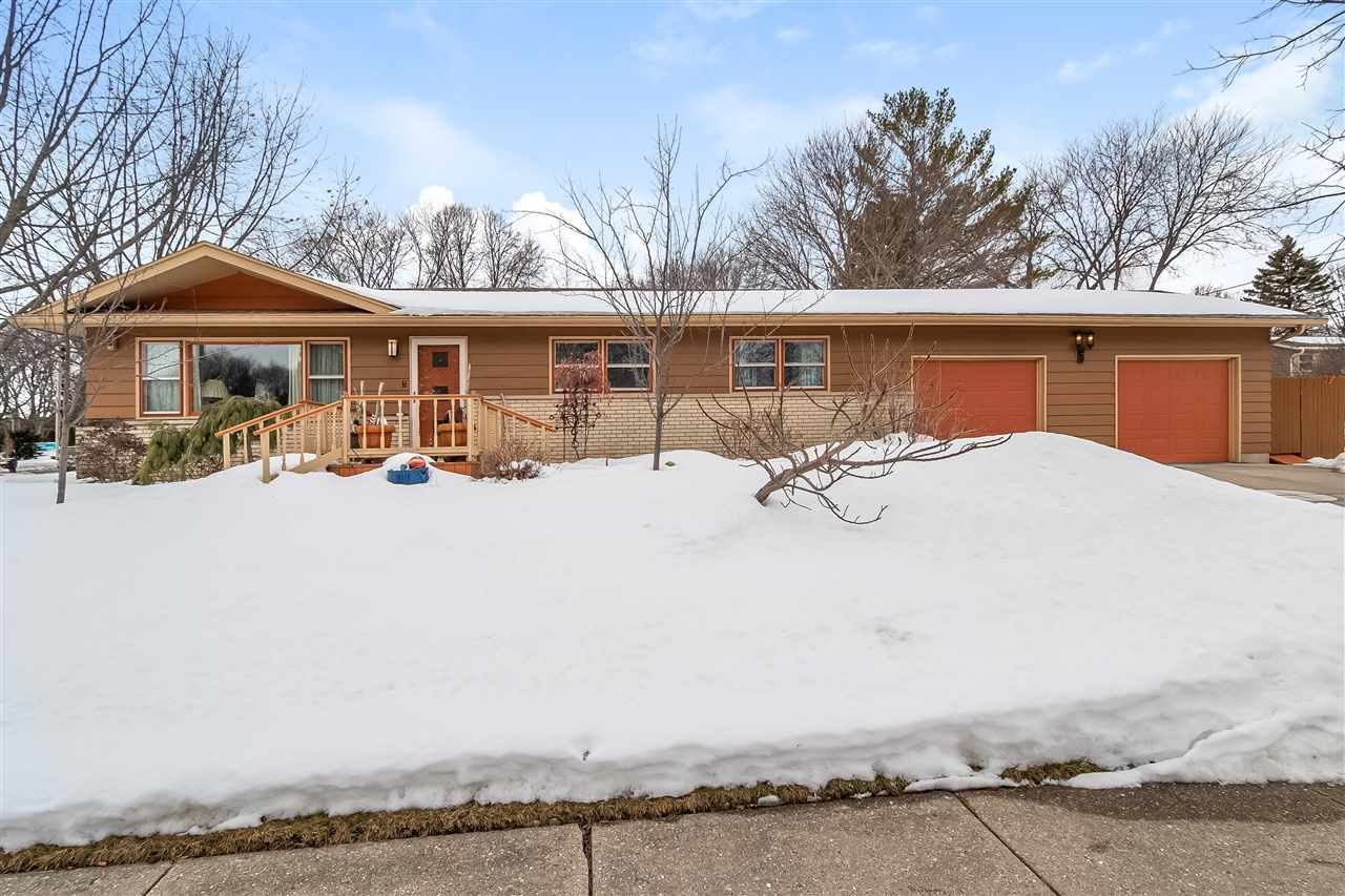 5118 E Buckeye Rd, Madison, WI 53716 - #: 1902809