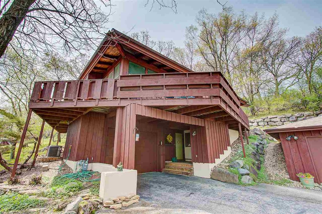208 Hill St, DeForest, WI 53532 - #: 1856810