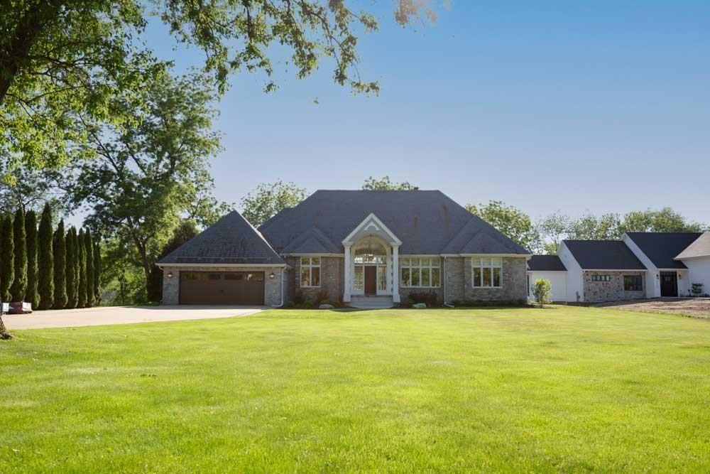 1517 Parker Ct, Janesville, WI 53545 - #: 1901810