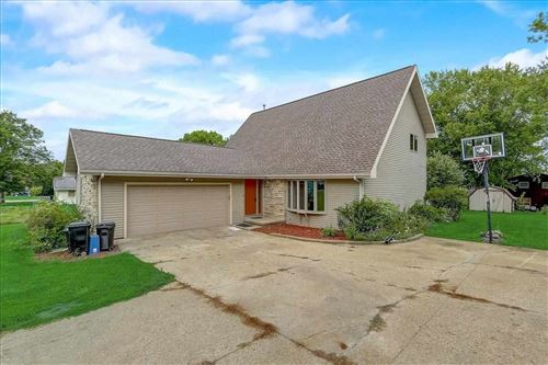 Photo of 1110 Hillcrest Rd, Black Earth, WI 53515 (MLS # 1914814)