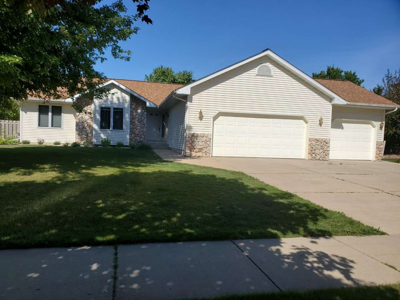 6785 Valiant Dr, Windsor, WI 53598 - #: 1893814