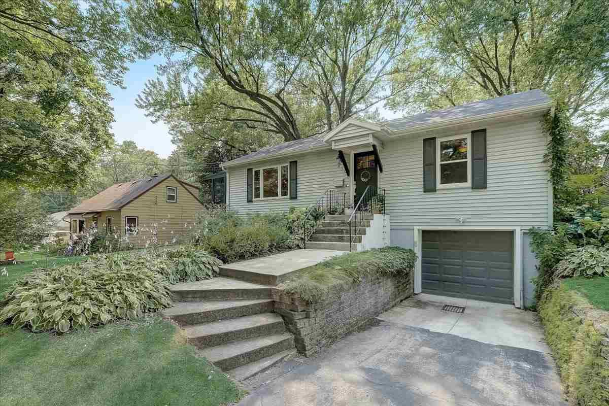 630 Orchard Dr, Madison, WI 53711 - #: 1915814